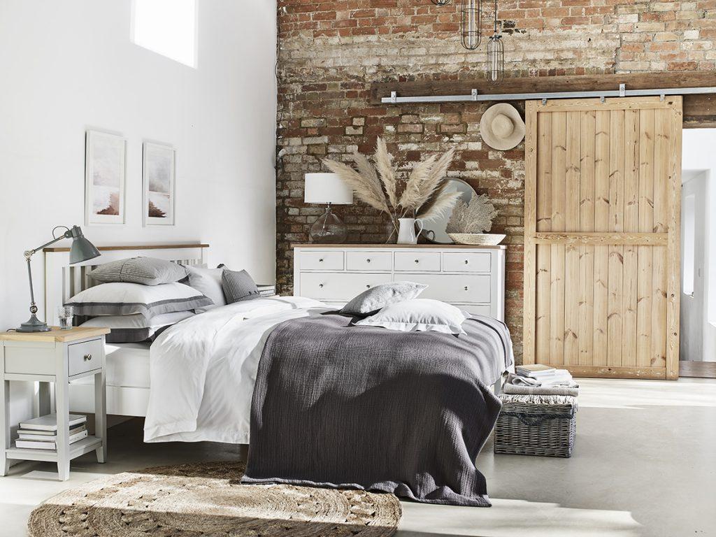 chester_white_bedroom_008