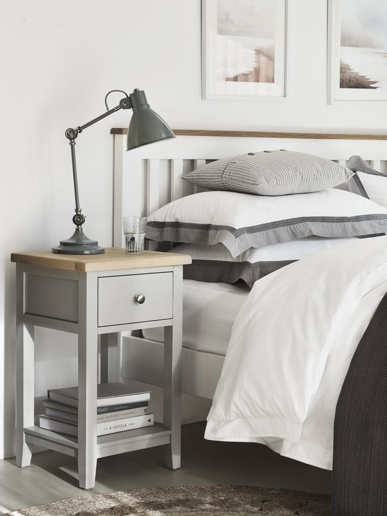 chester_white_bedside_table_017