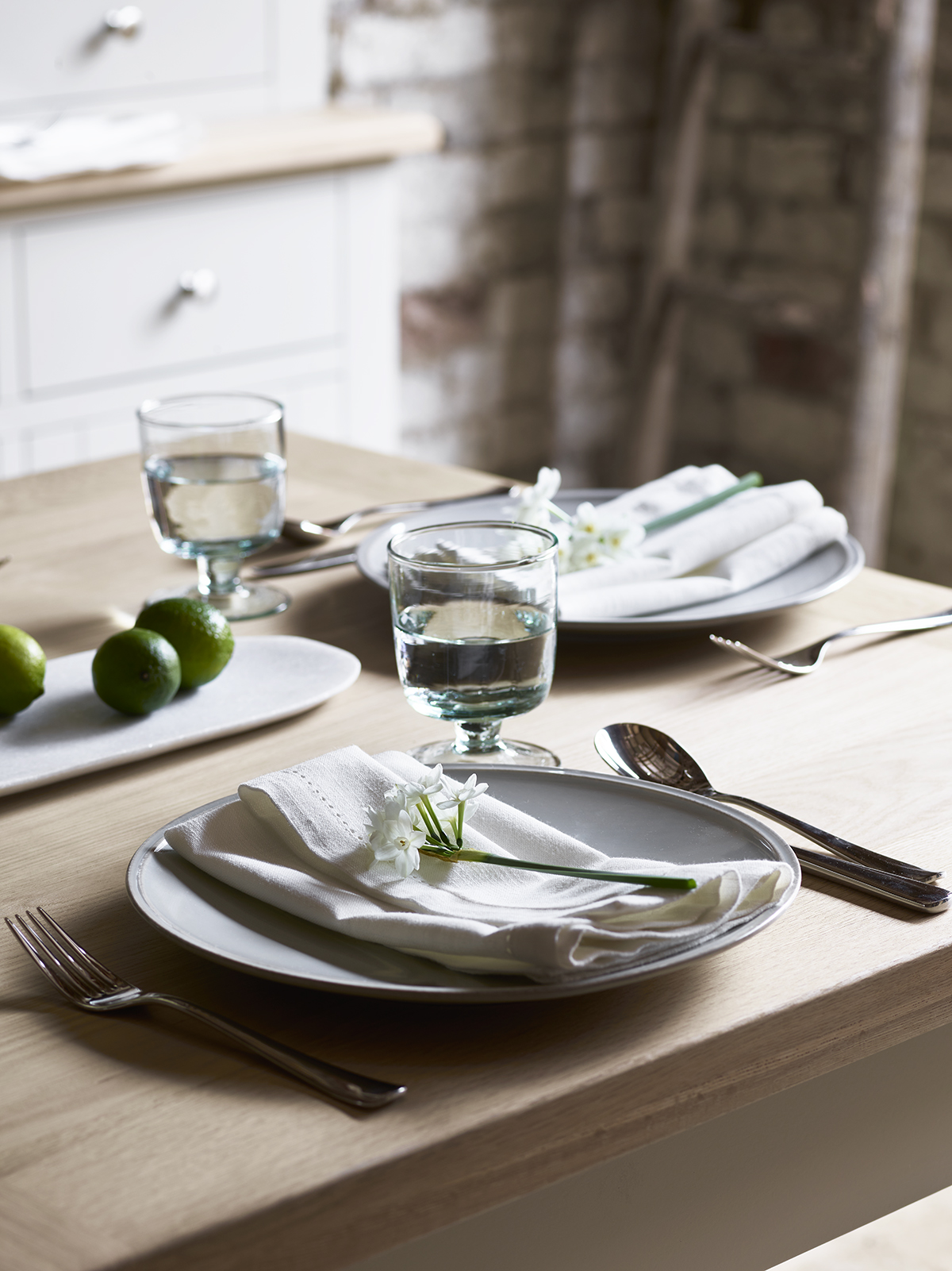 chester_stone_dining_detail_012