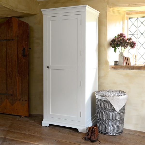 guest-bedroom-chantilly-warm-white-painted-single-wardrobe