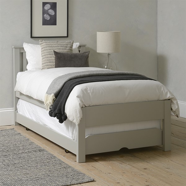 guest-bedroom-pensham-dove-grey-guest-bed-and-trundle