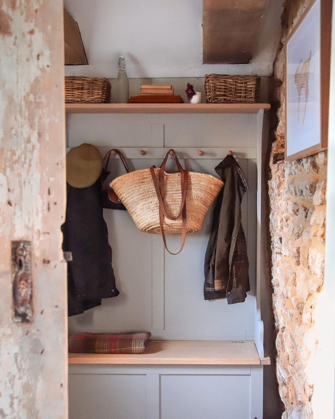 Our Chester Dove Grey hallway tidy offers practical hallway storage for smaller, cottage homes