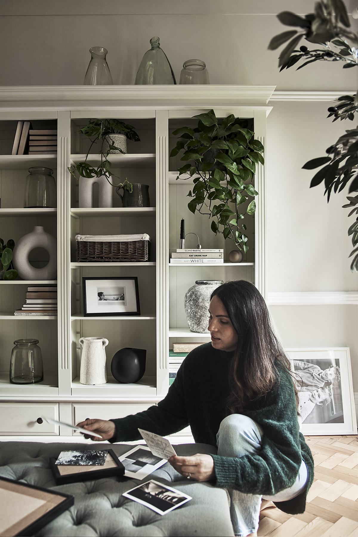 Jennifer Rothbury family home - Grand Burford bookcase