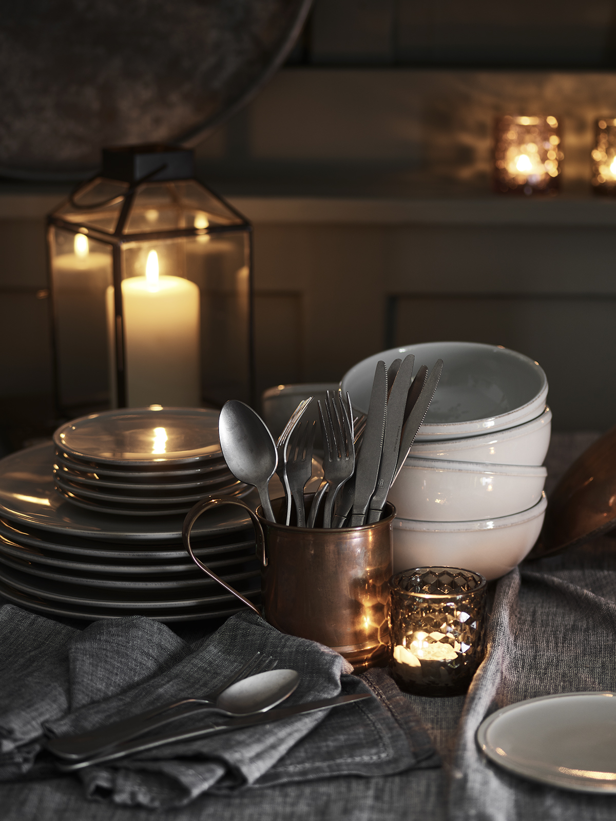 Autumn table - candles & tableware